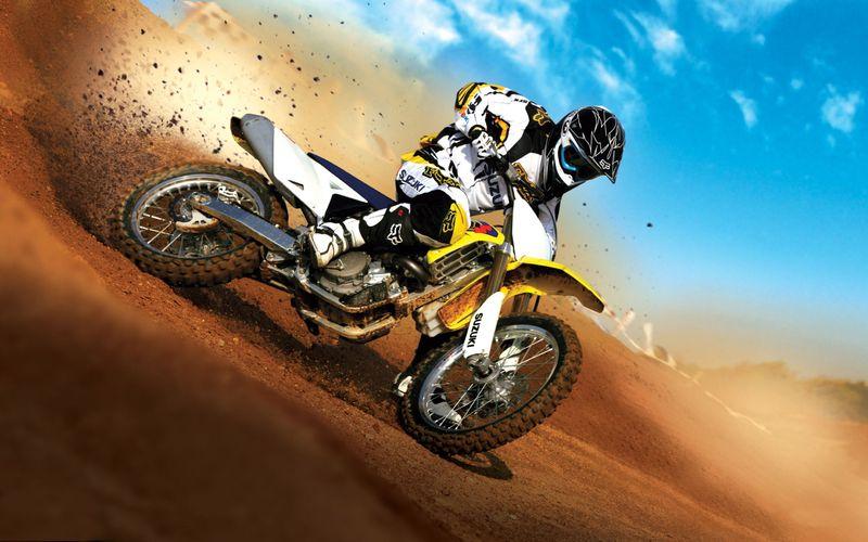 Suzuki_motocross-wide